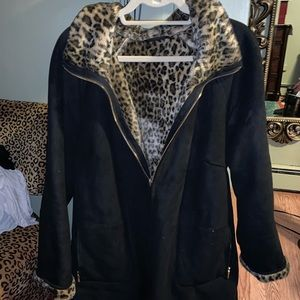 Jackets & Blazers - Women's faux fur leopard coat.
